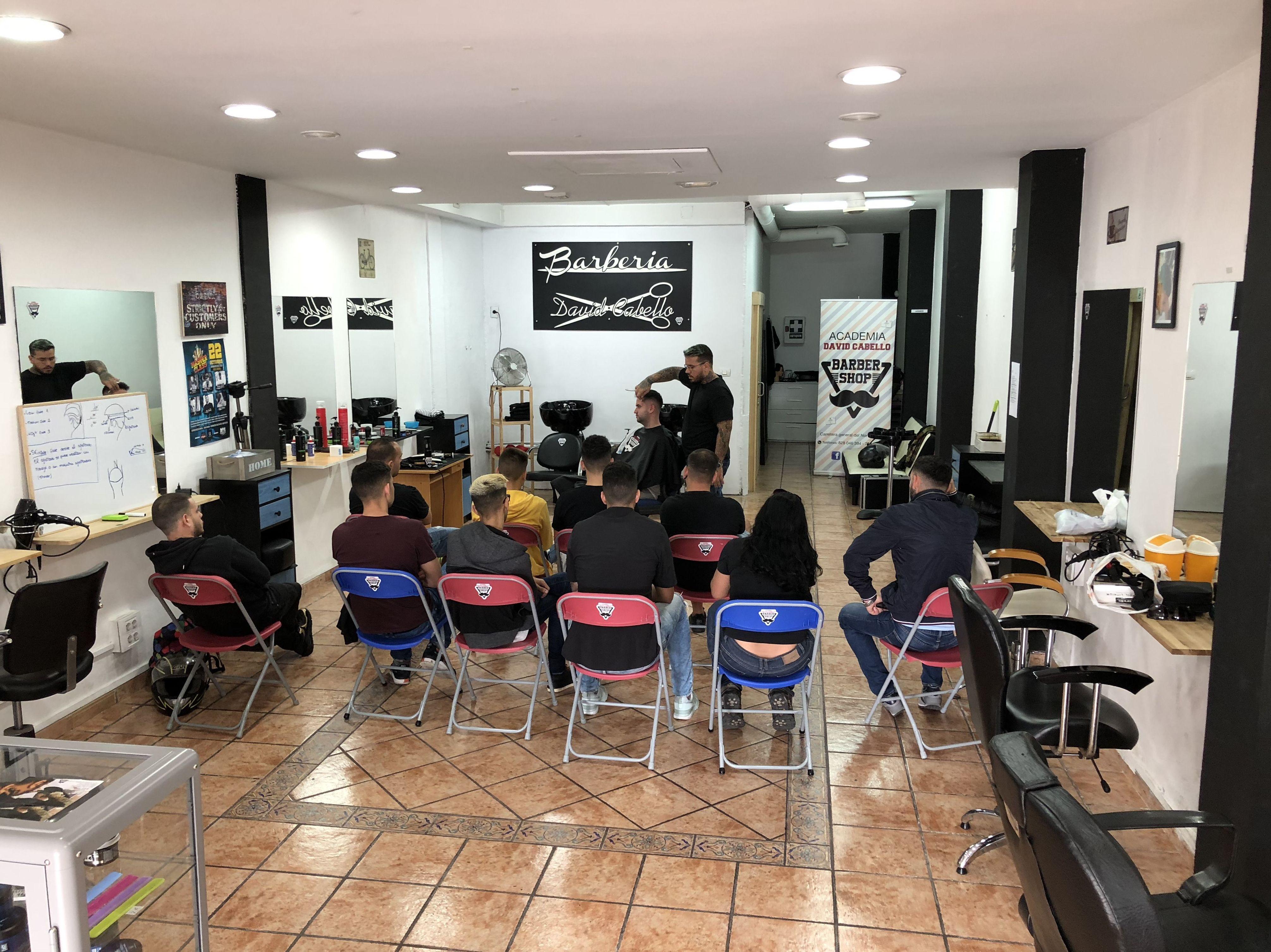 Foto 23 de Academia de peluquería y barbería en Las palmas | Academia de Barbería David Cabello