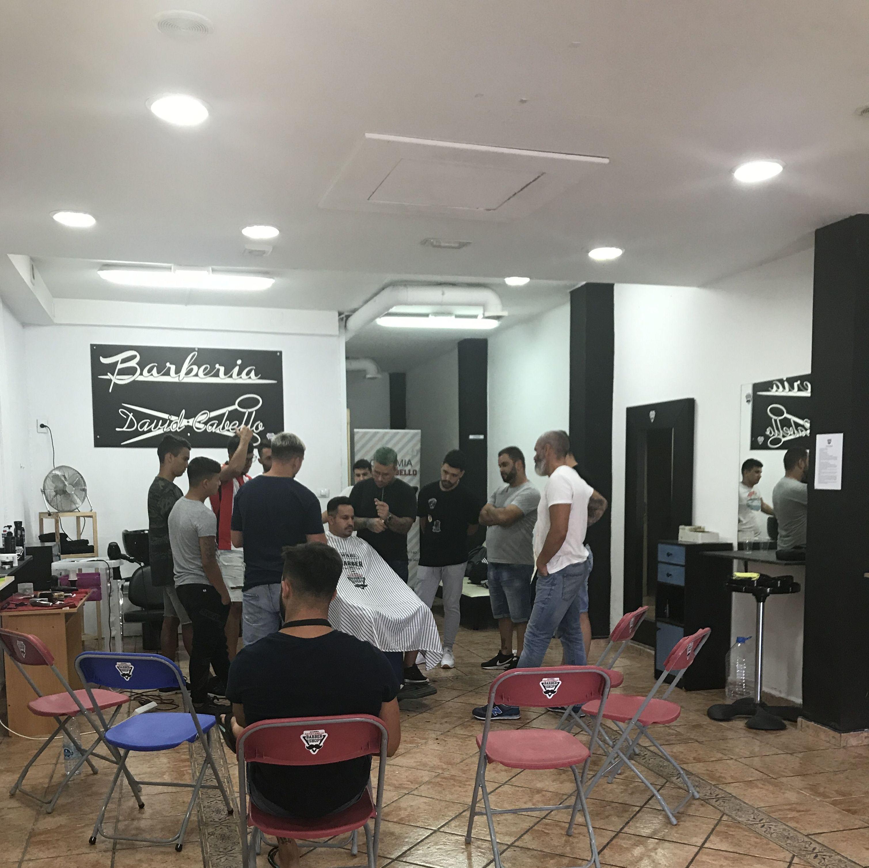 Foto 32 de Academia de peluquería y barbería en Las palmas | Academia de Barbería David Cabello