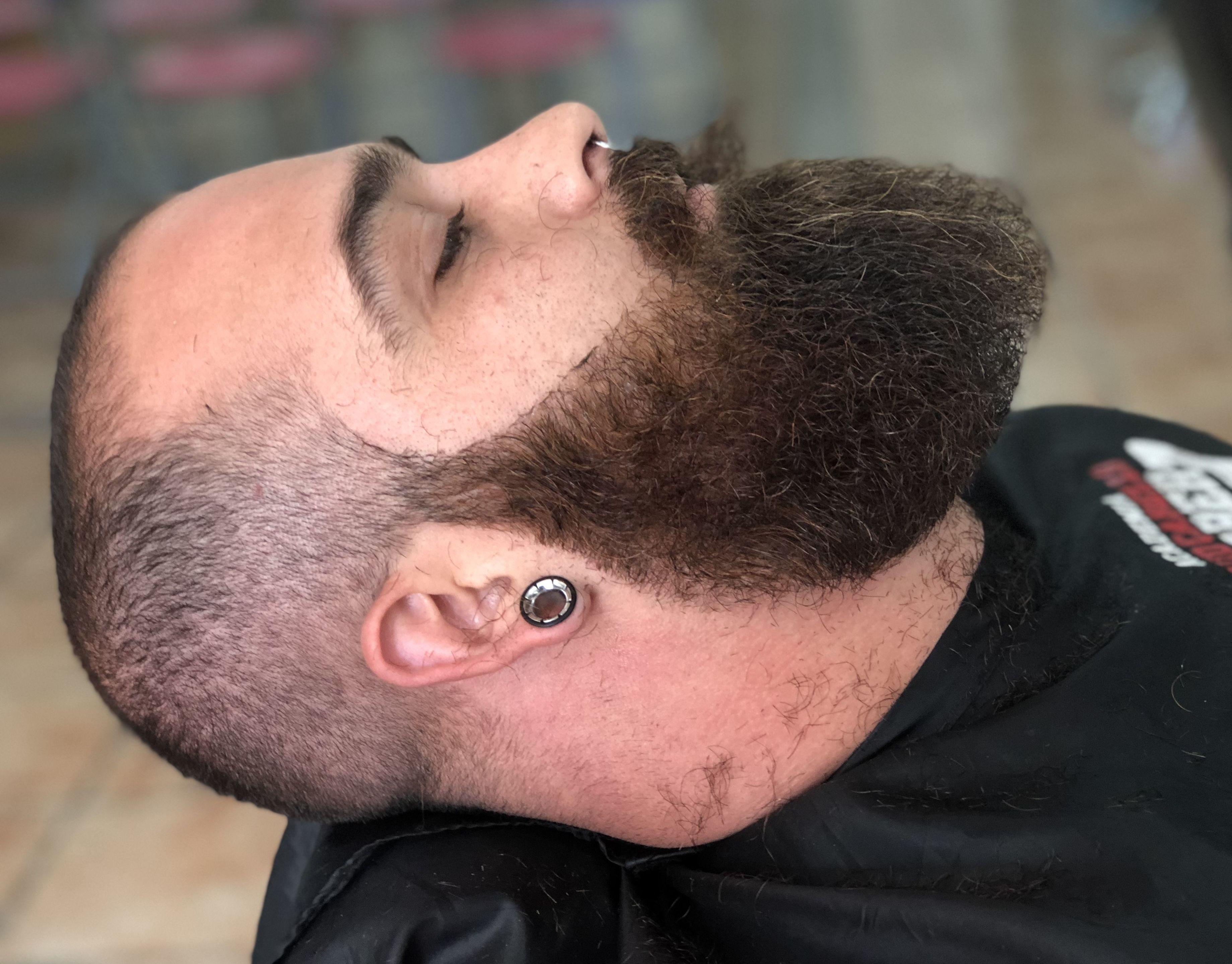 Afeitado: Servicios y cursos de Academia y Barbería David Cabello