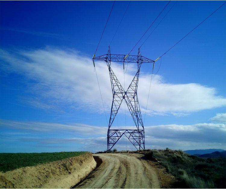 Montaje de tendidos eléctricos en Tarragona