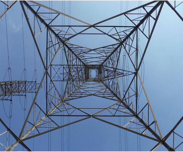 Instalación de torres eléctricas en Tarragona