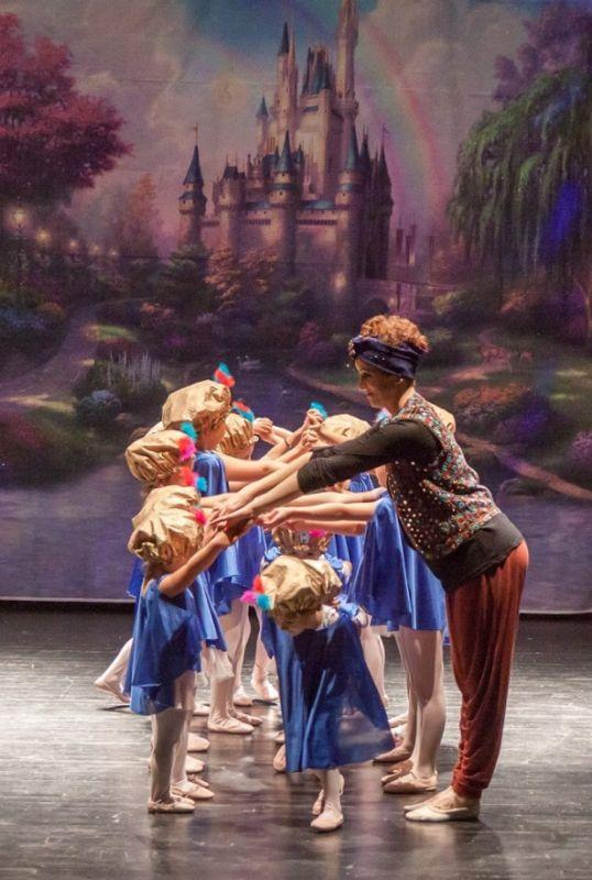 Academia de danza con pre ballet en Oviedo