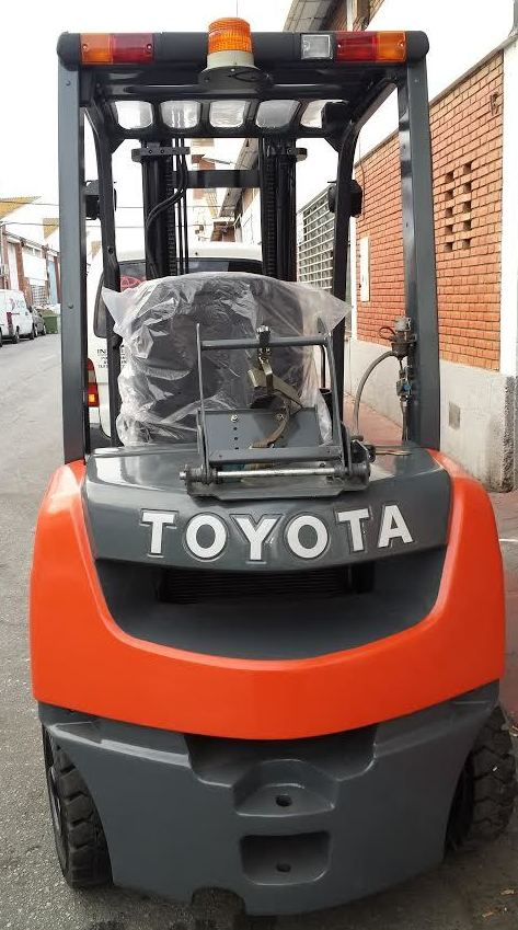 carretilla a gas GLP Toyota en Malaga