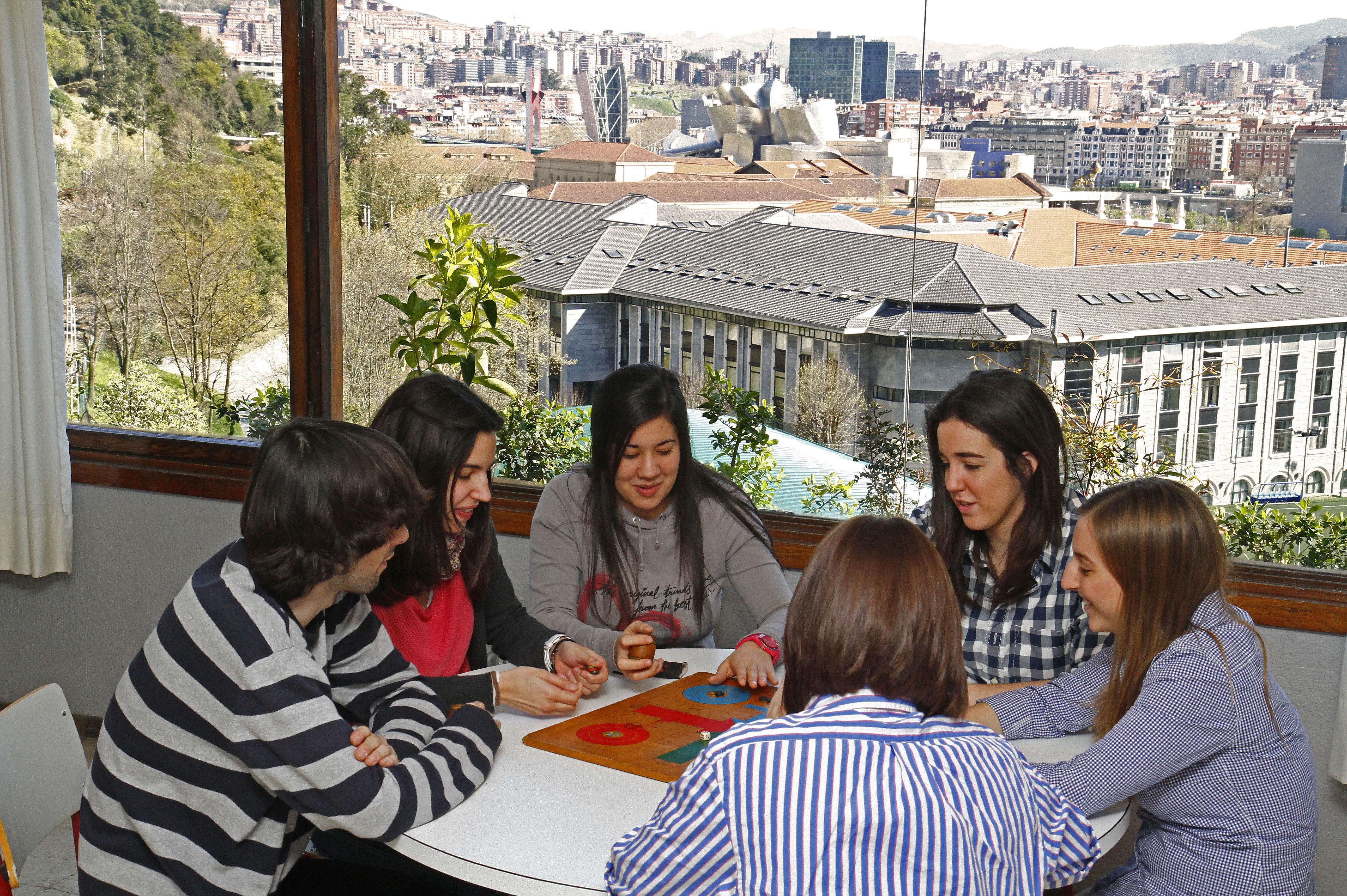 Foto 17 de Residencias de estudiantes en Bilbao | Colegio Mayor Deusto