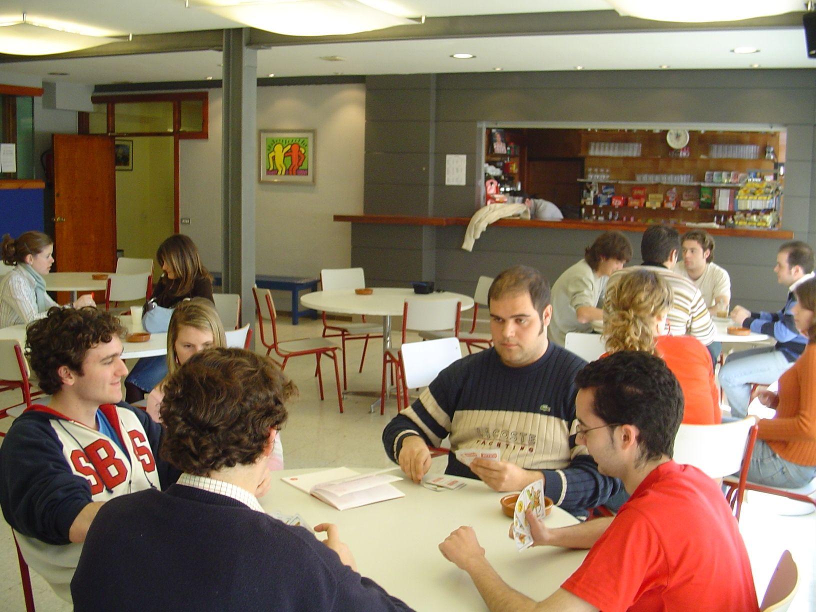 CAFETERÍA: Alojamiento Universitario de Colegio Mayor Deusto
