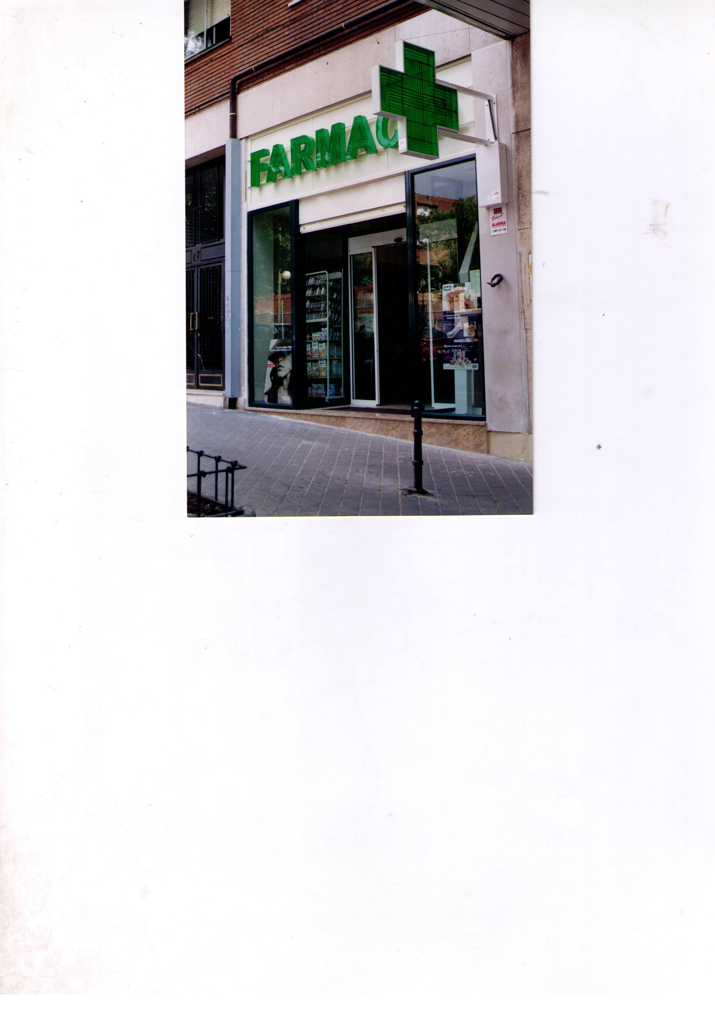Foto 2 de Farmacias en Madrid | Farmacia Pontones