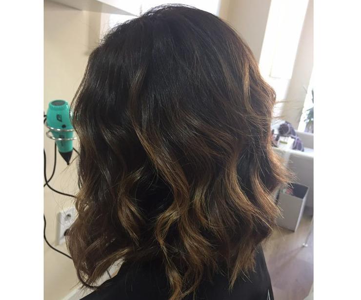 Peinados de ondas suaves en melena mediana