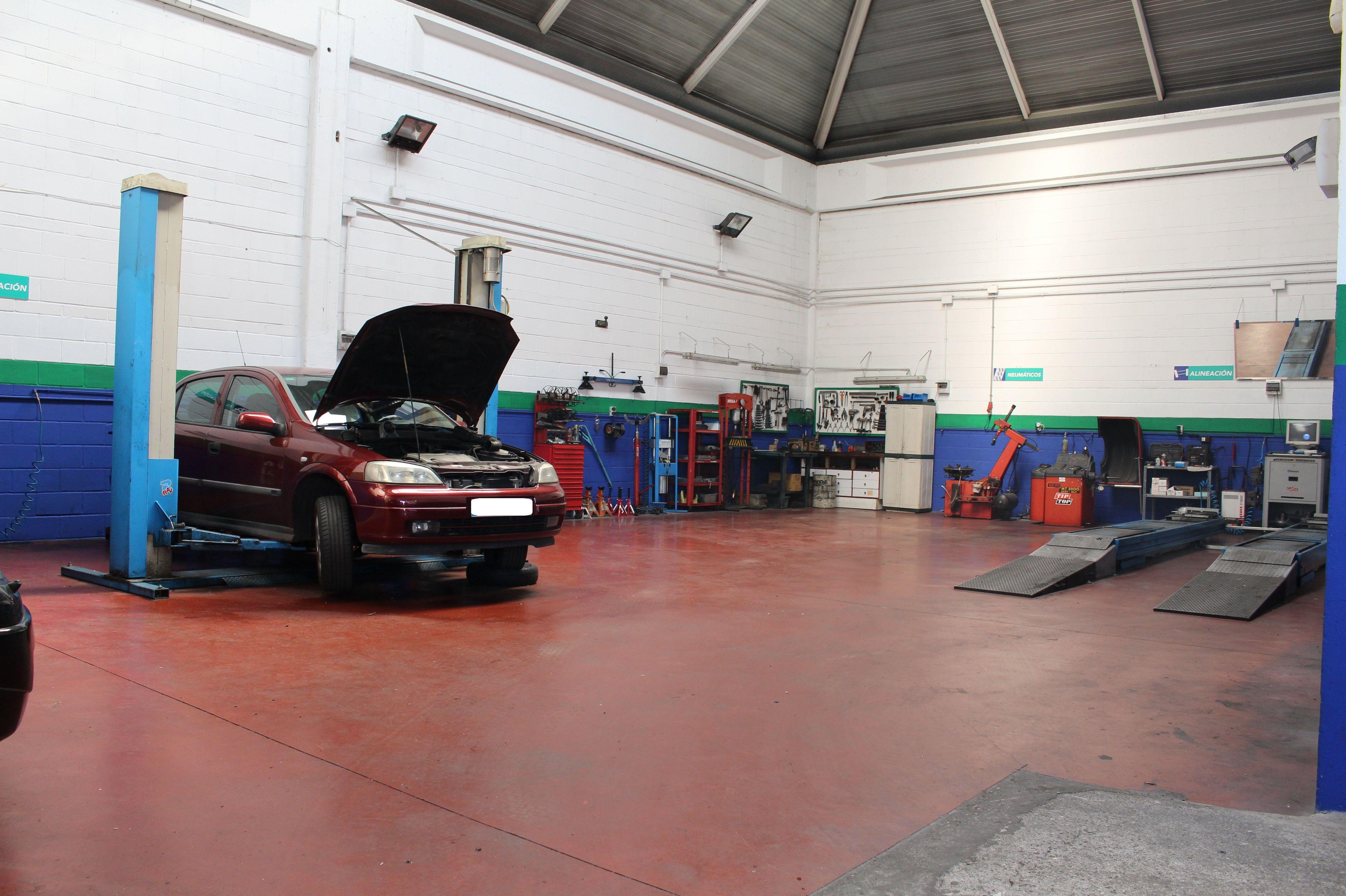 Foto 2 de Talleres de automóviles en Alcalá de Henares | Mantenauto Eurotaller Plus