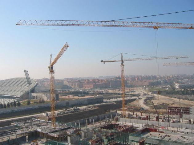 Alquiler de grúas torre para empresas de construcción en Madrid