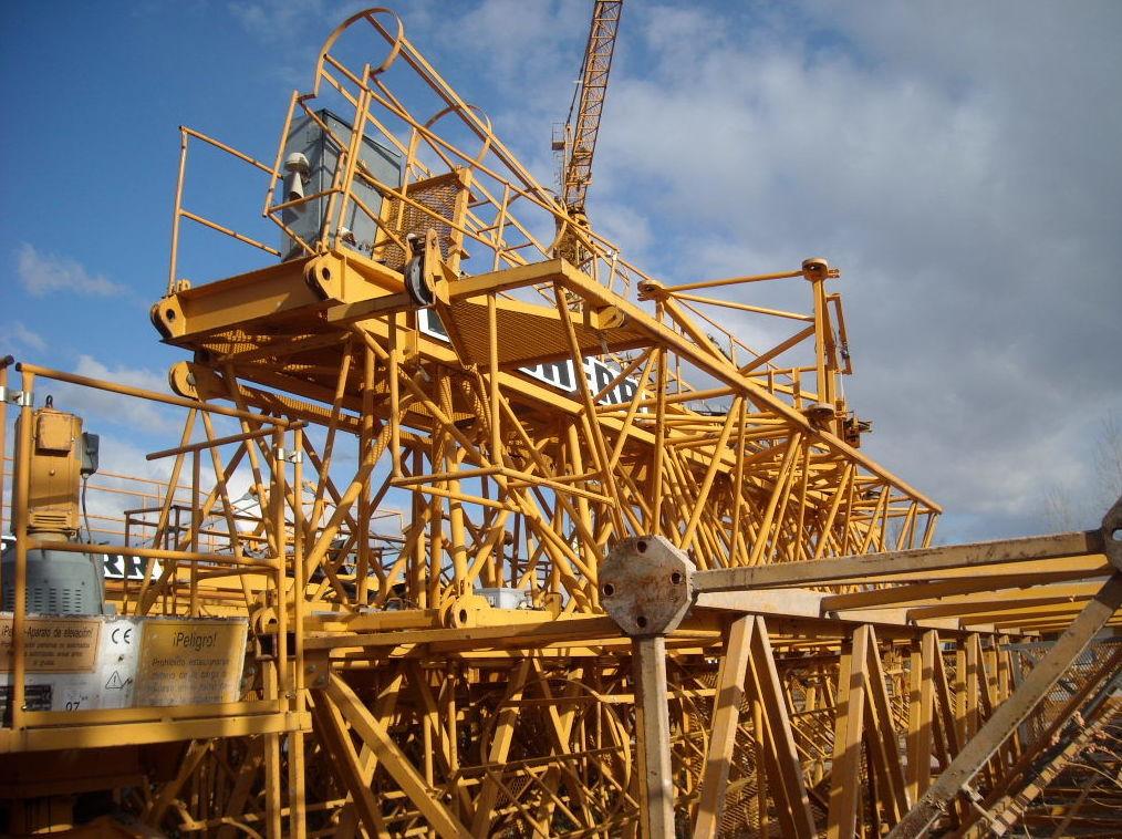 Alquiler, montaje y mantenimiento de grúas torre en Madrid
