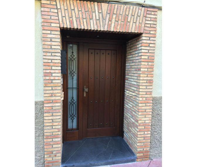 Puerta de entrada a vivienda