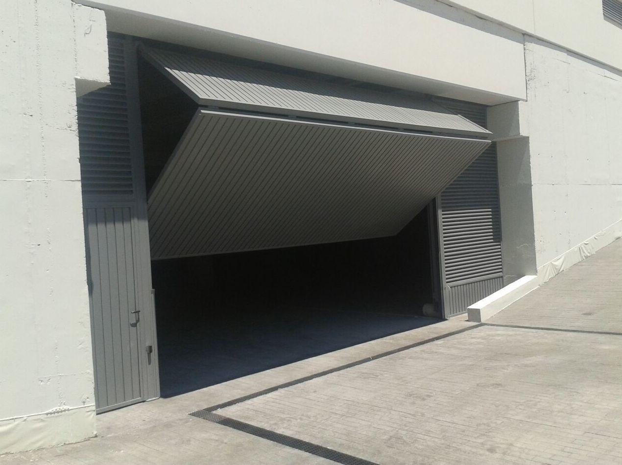 Fabricación e instalación de puertas