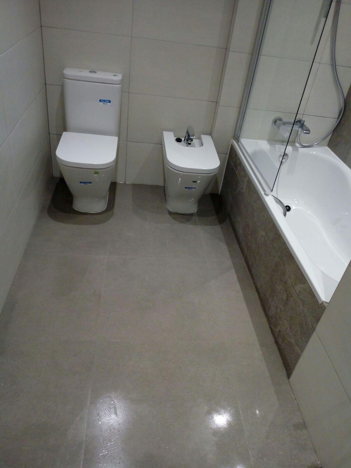Reformas en suelos, tejados, baños y cocinas