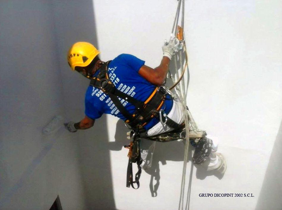 Foto 10 de Rehabilitación de edificios en Agaete | Grupo Dicopint 2002, S.C.L.