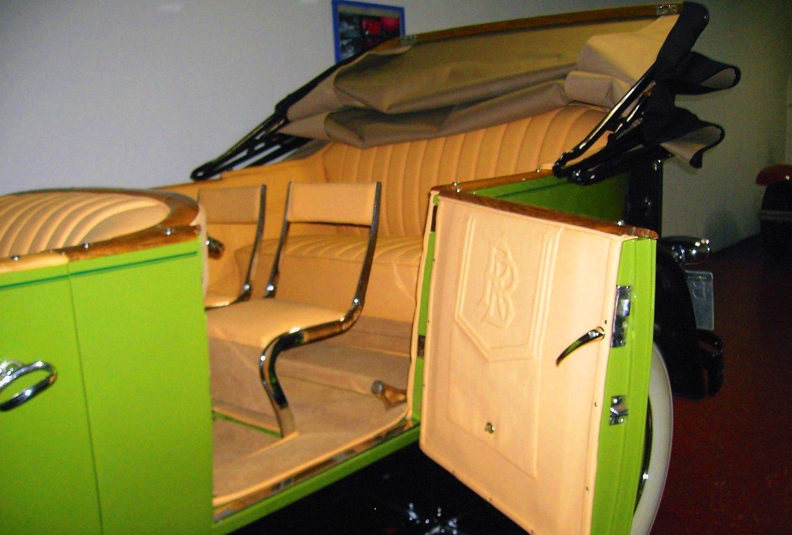 Foto 2 de Tapicería del automóvil en  | Resta Classic S.L