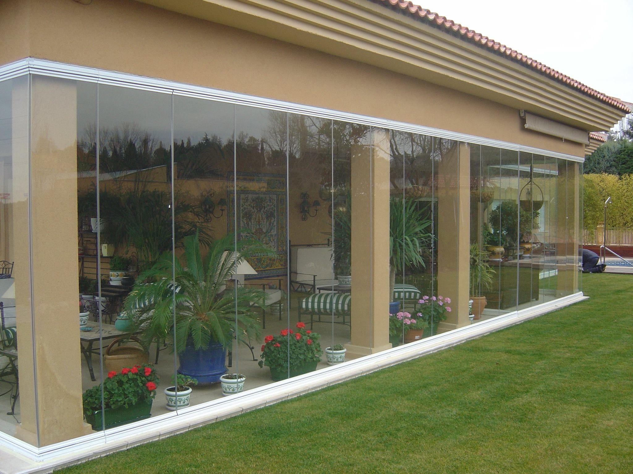 Cerramientos y techos acristalados: Productos y servicios de Cristalería Santanderina