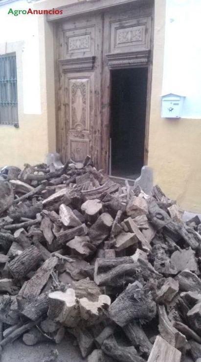Foto 6 de Venta y distribución de todo tipo de leñas en Villar del Arzobispo | Leñador