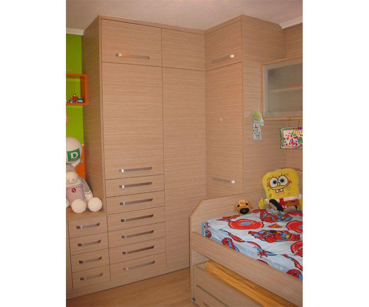 Dormitorio con muebles a medida