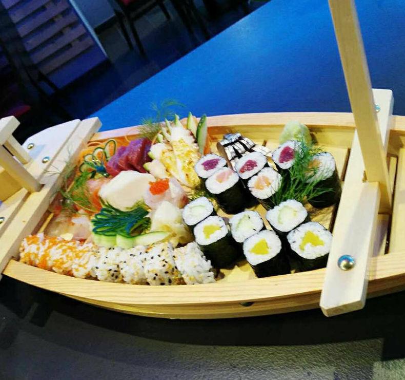 Barco de sushi para degustar