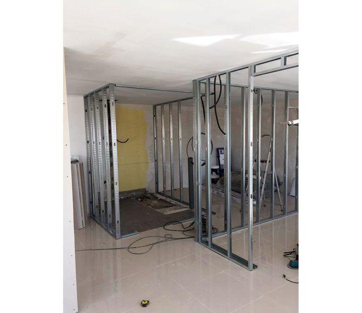 Divisores para locales y oficinas en aluminio en Fuerteventura