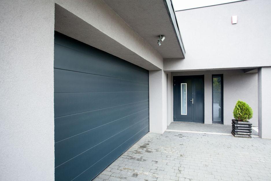 Puertas de garaje: Servicios of Aluminios Araya