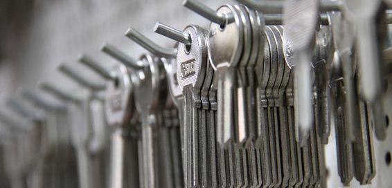 Fabricación de llaves: Servicios de Aluminios Araya