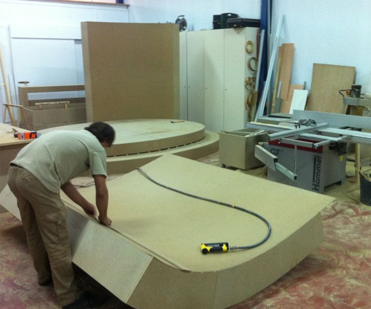 Muebles de madera con diferentes estilos