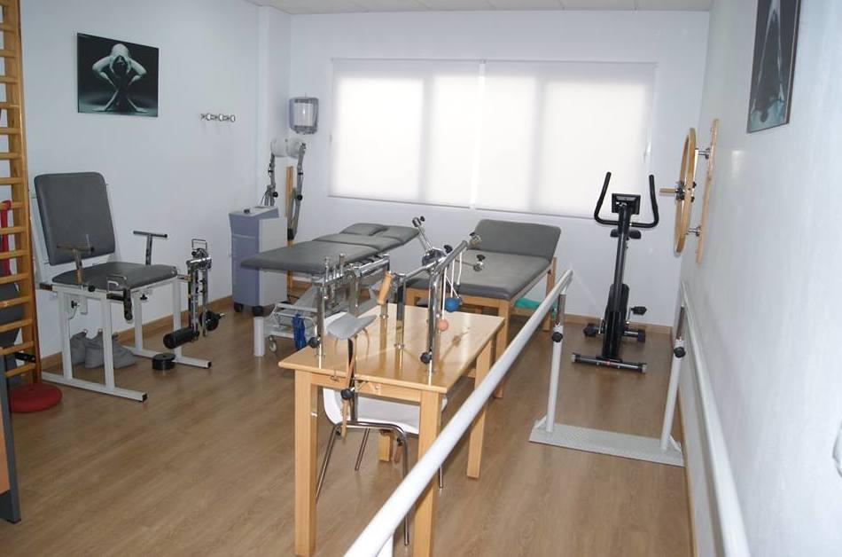 Foto 1 de Fisioterapia y osteopatía en Valverde del Camino | Gabinete Sanitario Andévalo