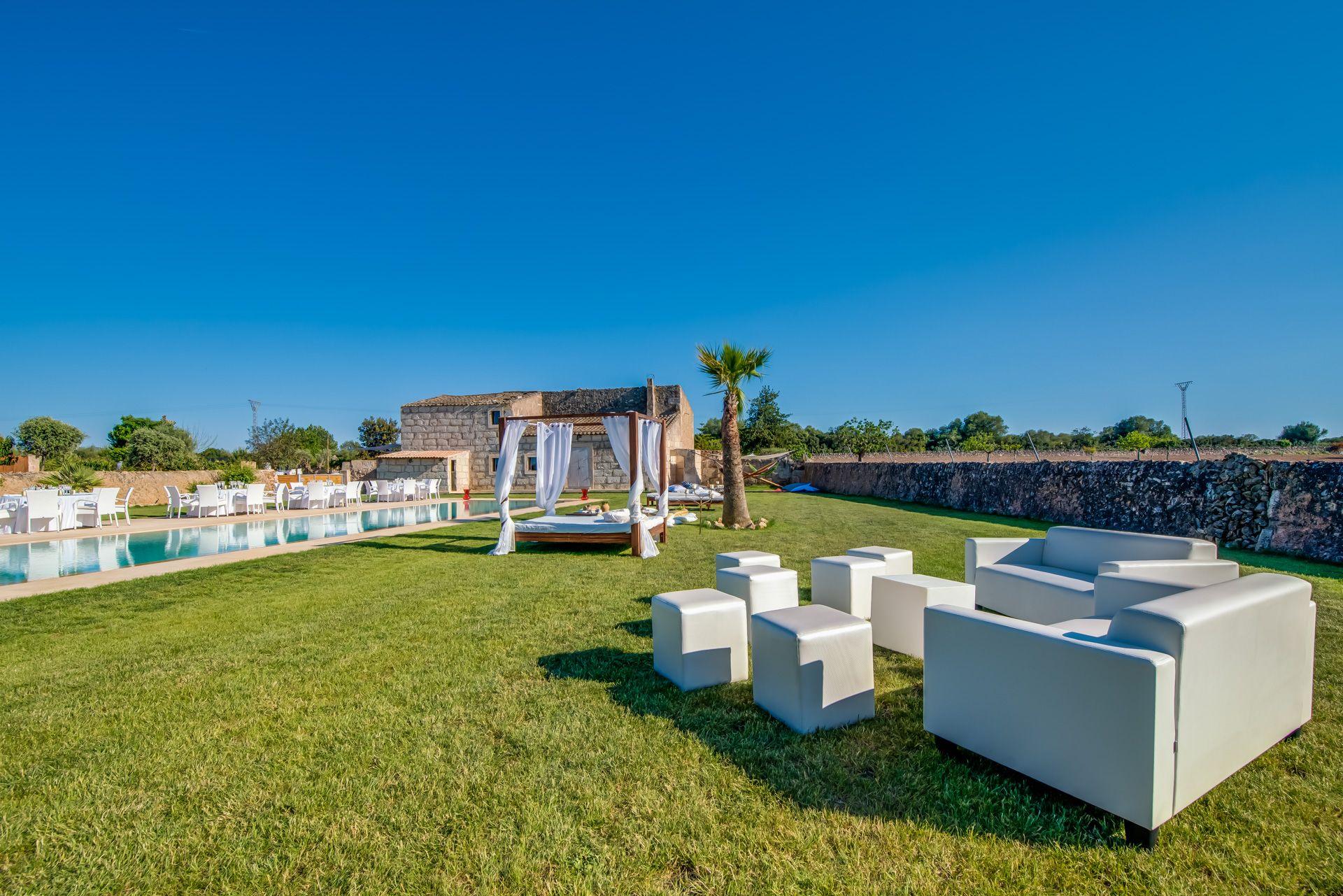 Amplios jardines para celebraciones en Mallorca