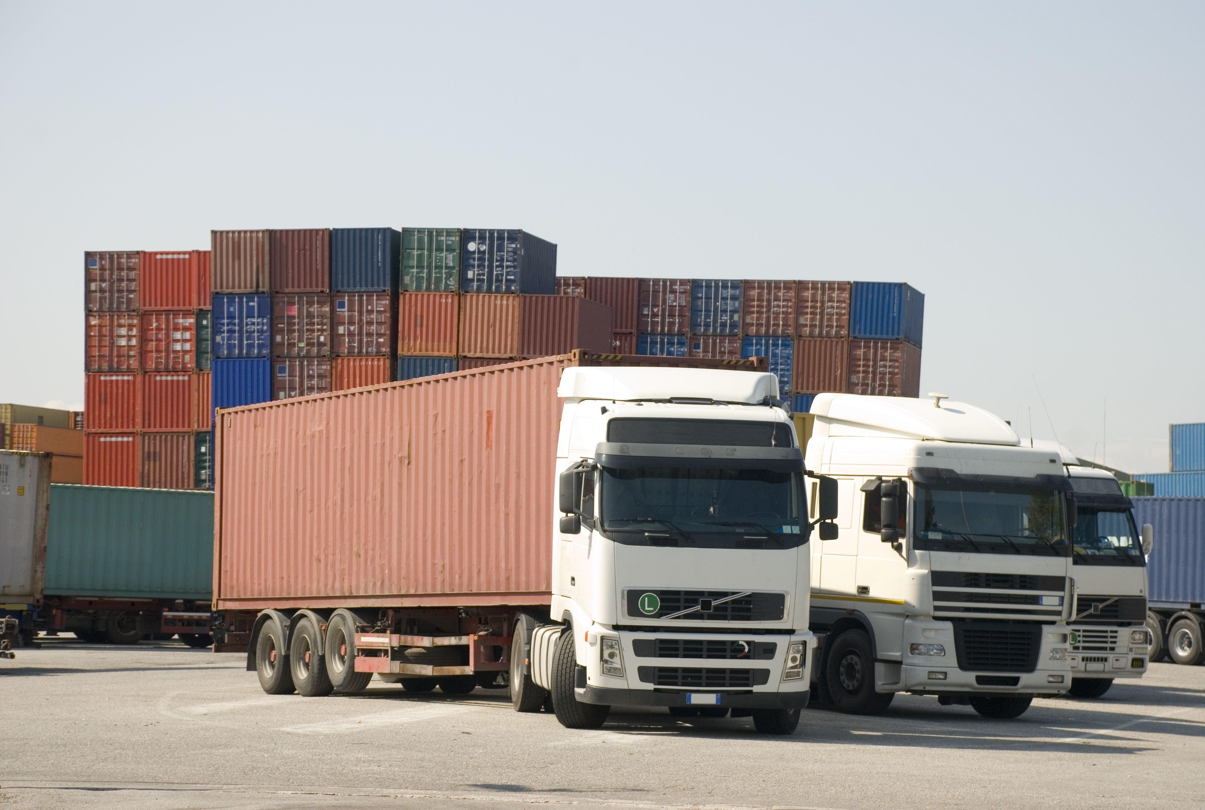 Empresa de transporte de mercancías de todo tipo por carretera desde cualquier destino