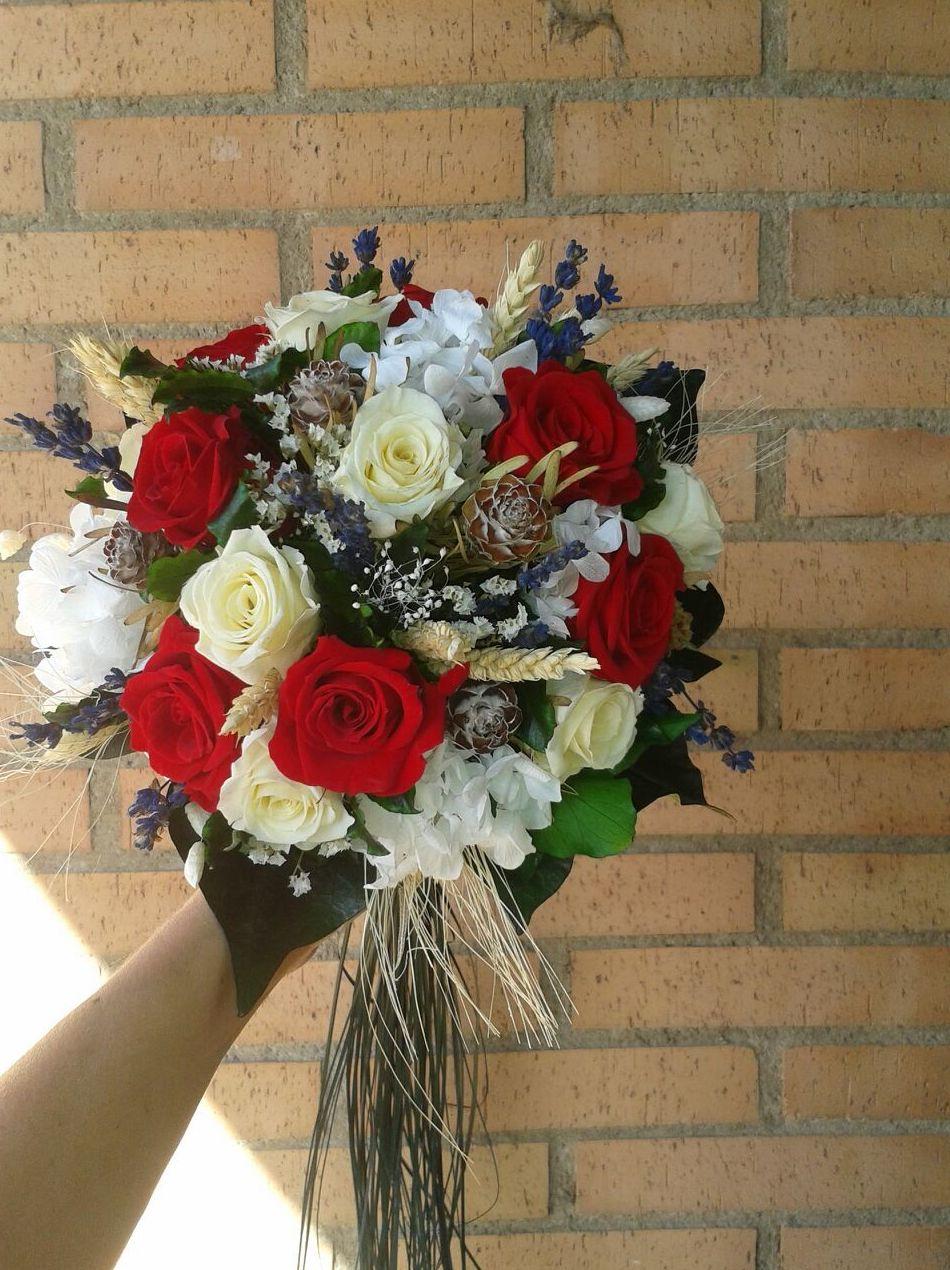 Foto 27 de Floristerías en Soria | Flores Cid Arte Floral
