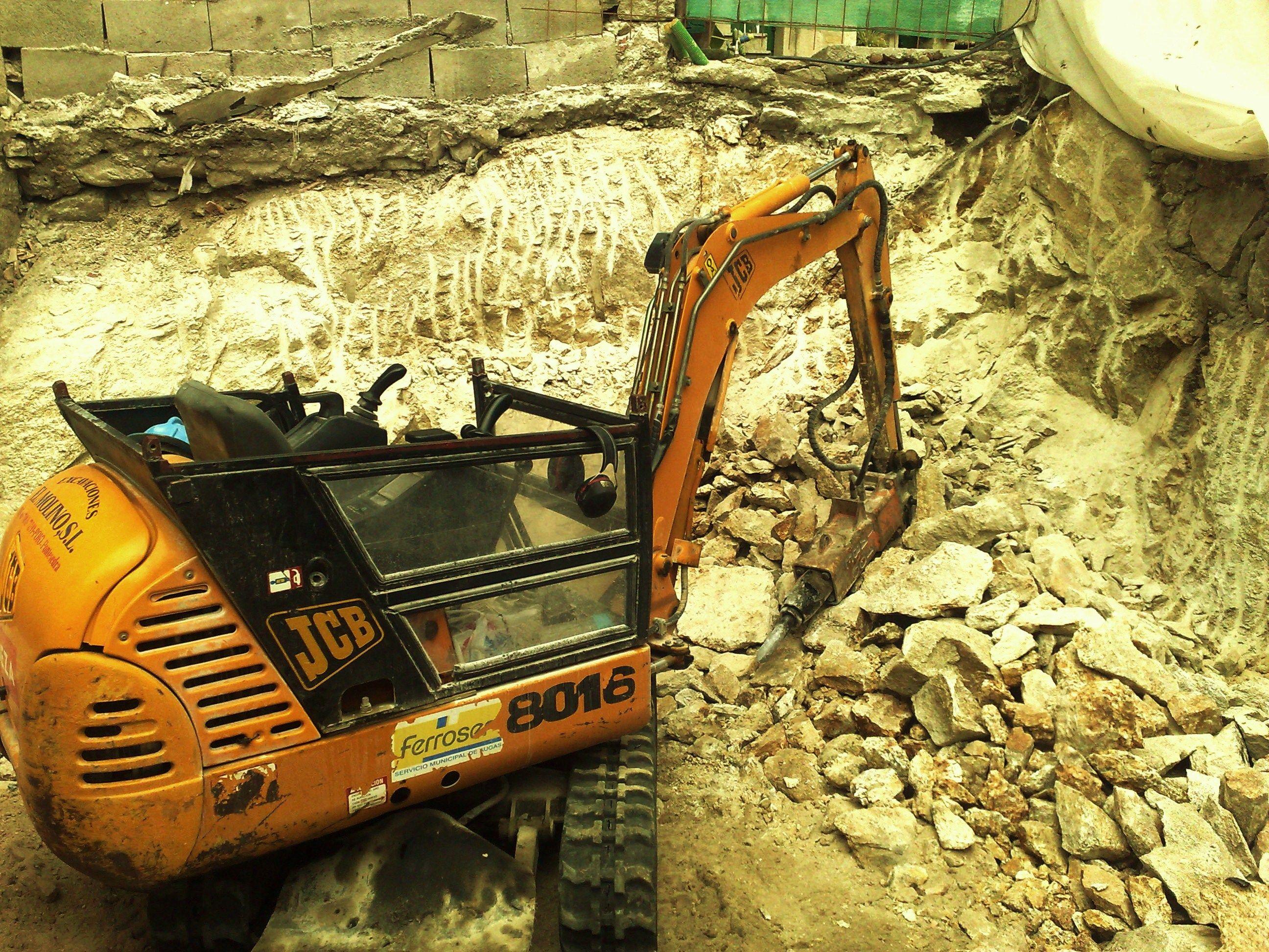 excavacion en roca en conjunto historico de COMBARRO-POIO