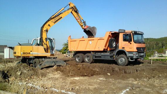 inicio de excavacion para una vivienda unifamiliar
