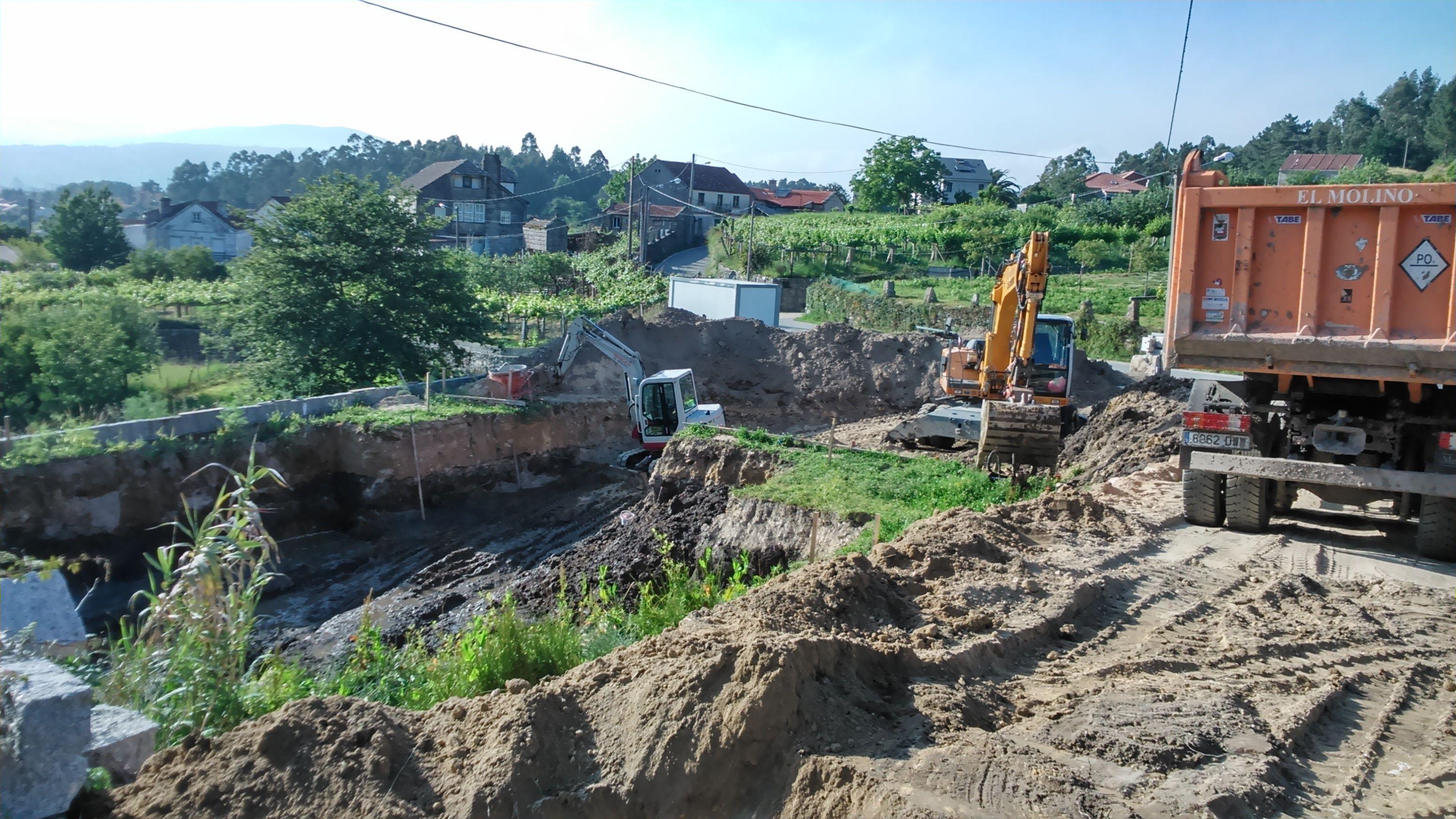 Foto 143 de Excavaciones en    Excavaciones El Molino, S.L.