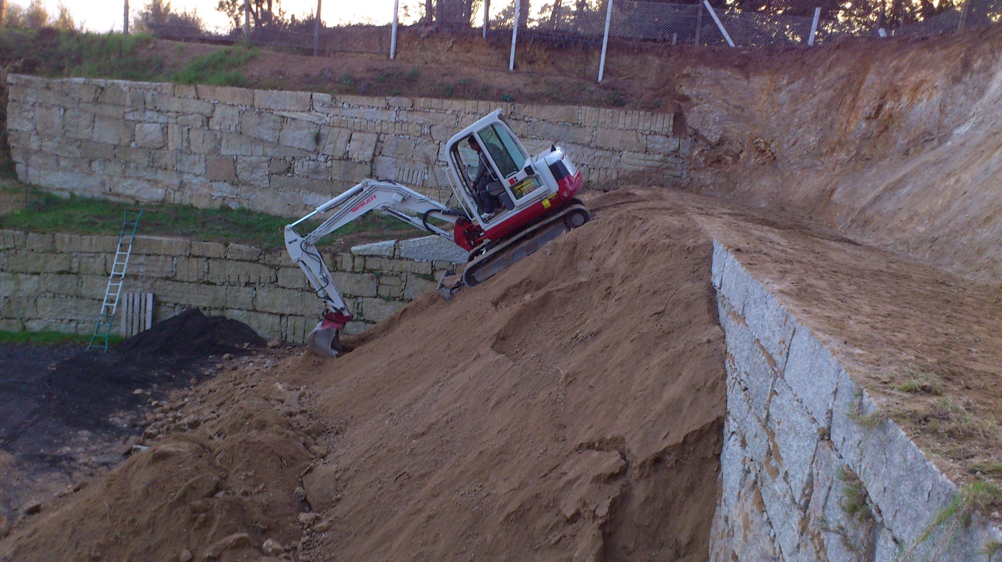 Foto 28 de Excavaciones en  | Excavaciones El Molino, S.L.