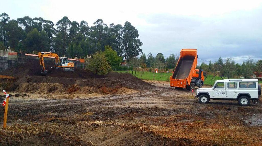 Foto 167 de Excavaciones en    Excavaciones El Molino, S.L.