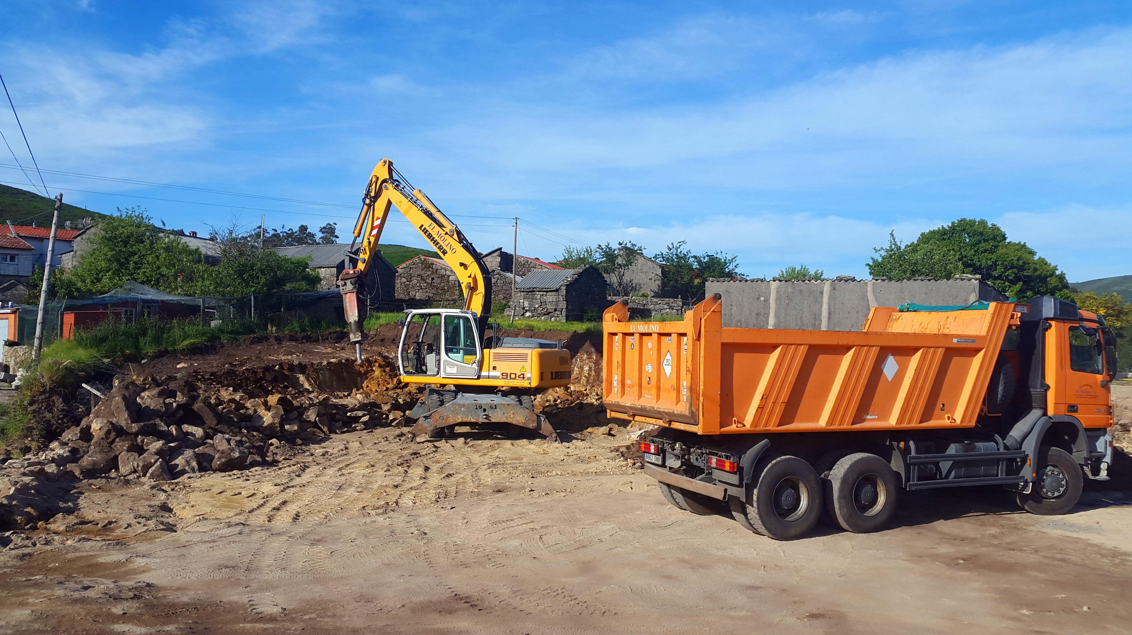 Foto 195 de Excavaciones en    Excavaciones El Molino, S.L.