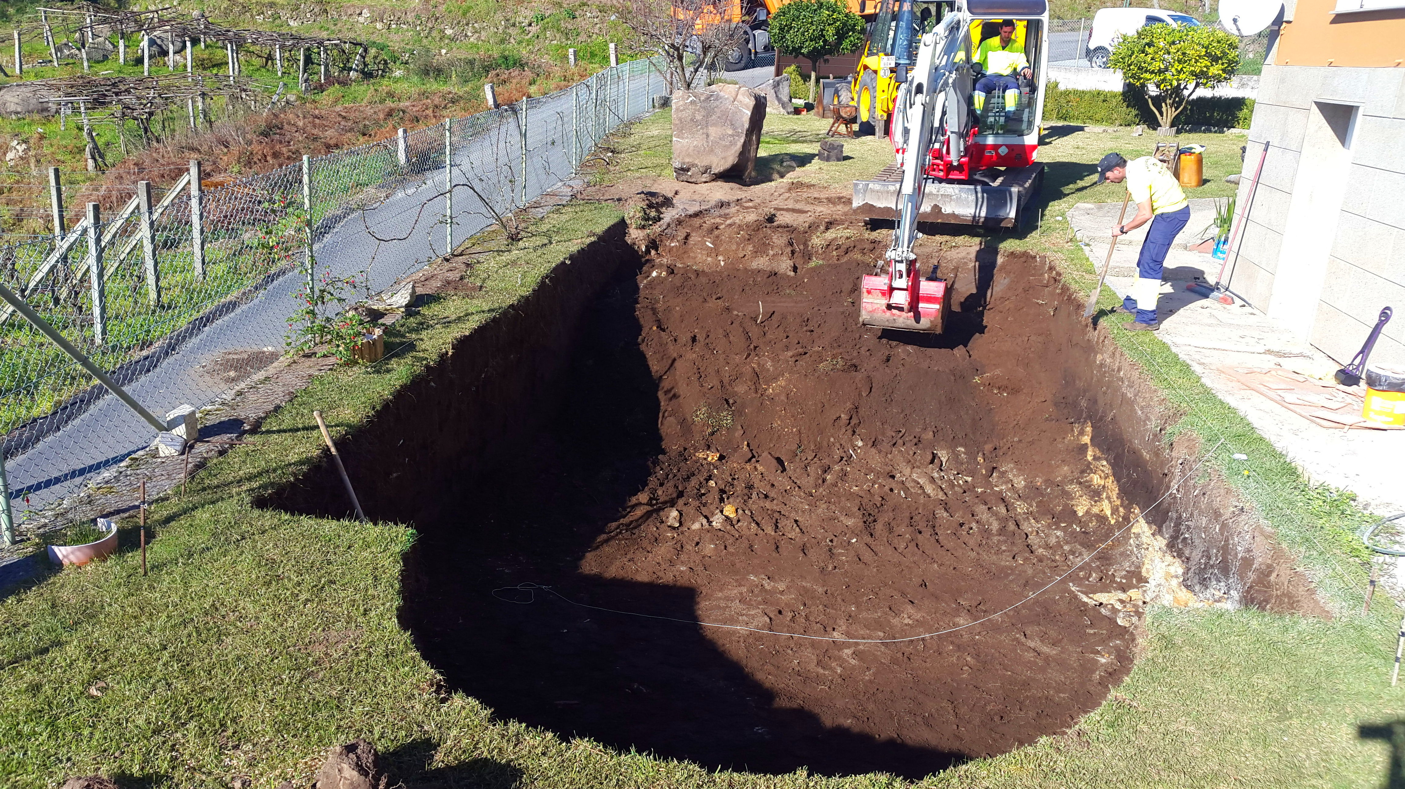 excavacion de piscina en poio