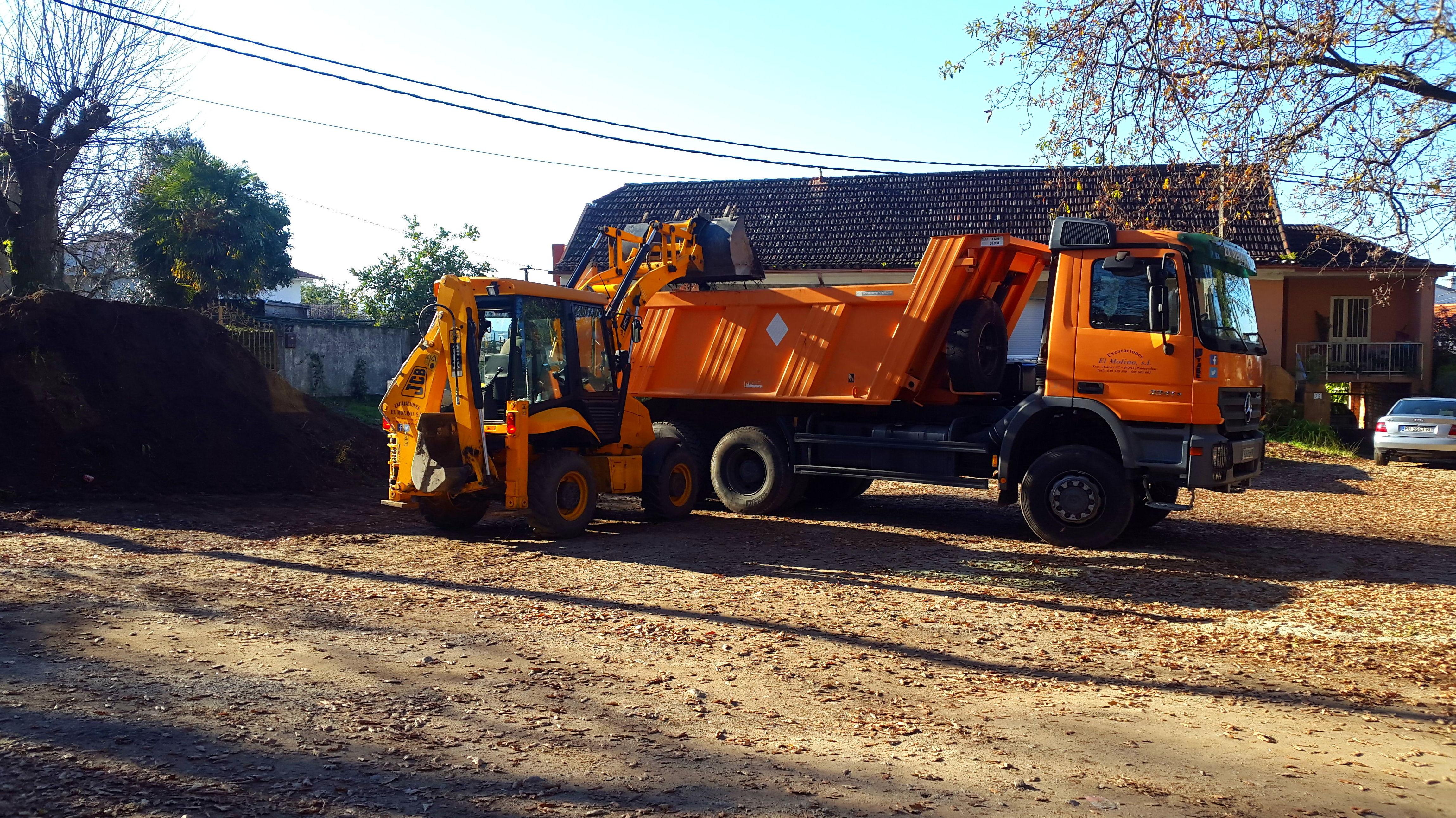 Foto 10 de Excavaciones en  | Excavaciones El Molino, S.L.