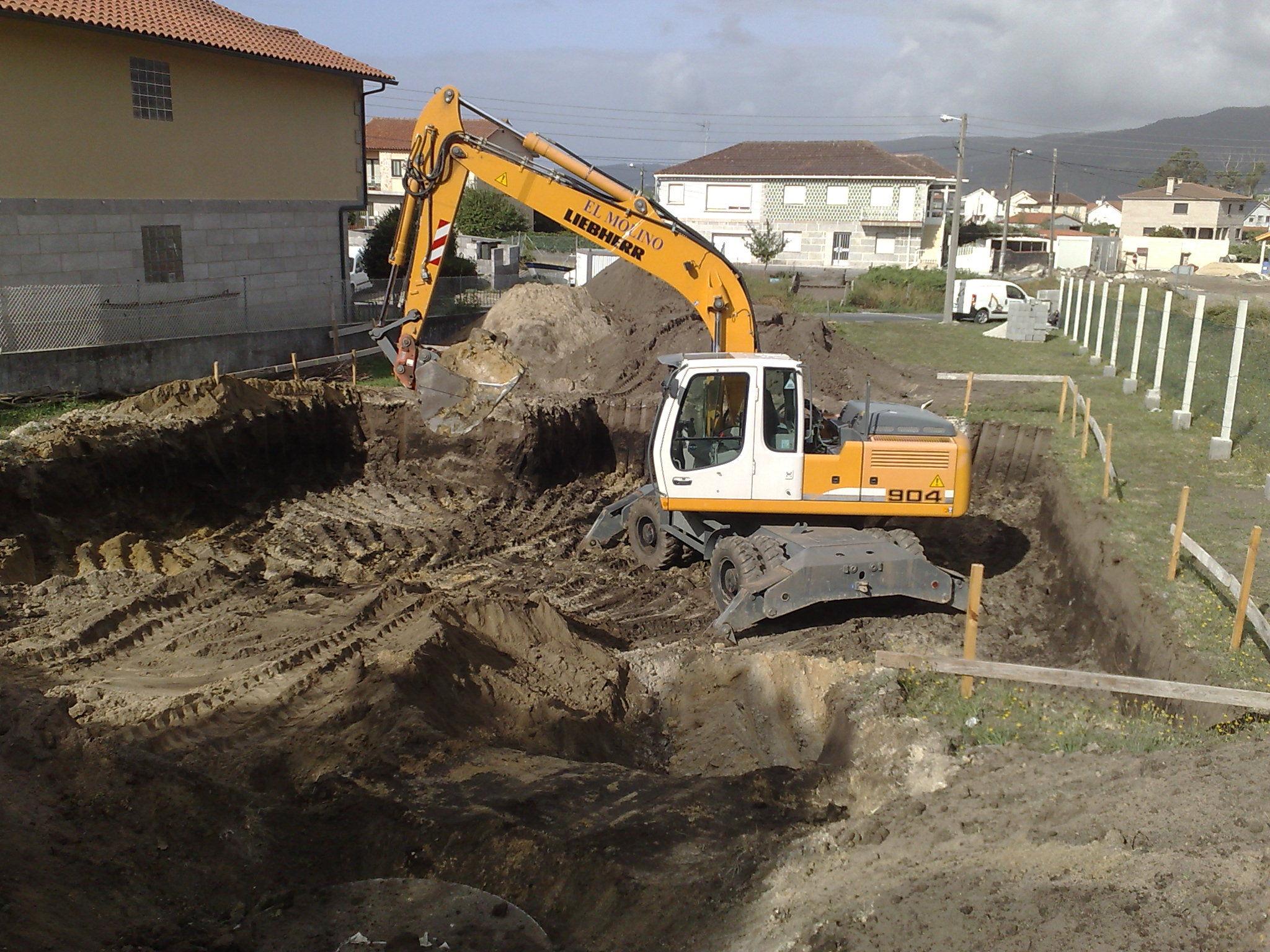 excavacion de sotano para vivienda(campelo)Poio.