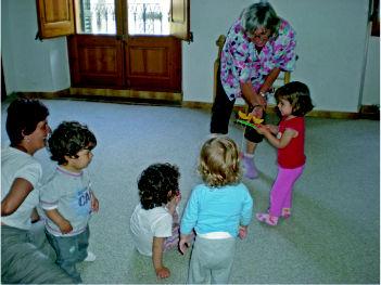 classe de música pares amb nadons de 1 a 3 anys