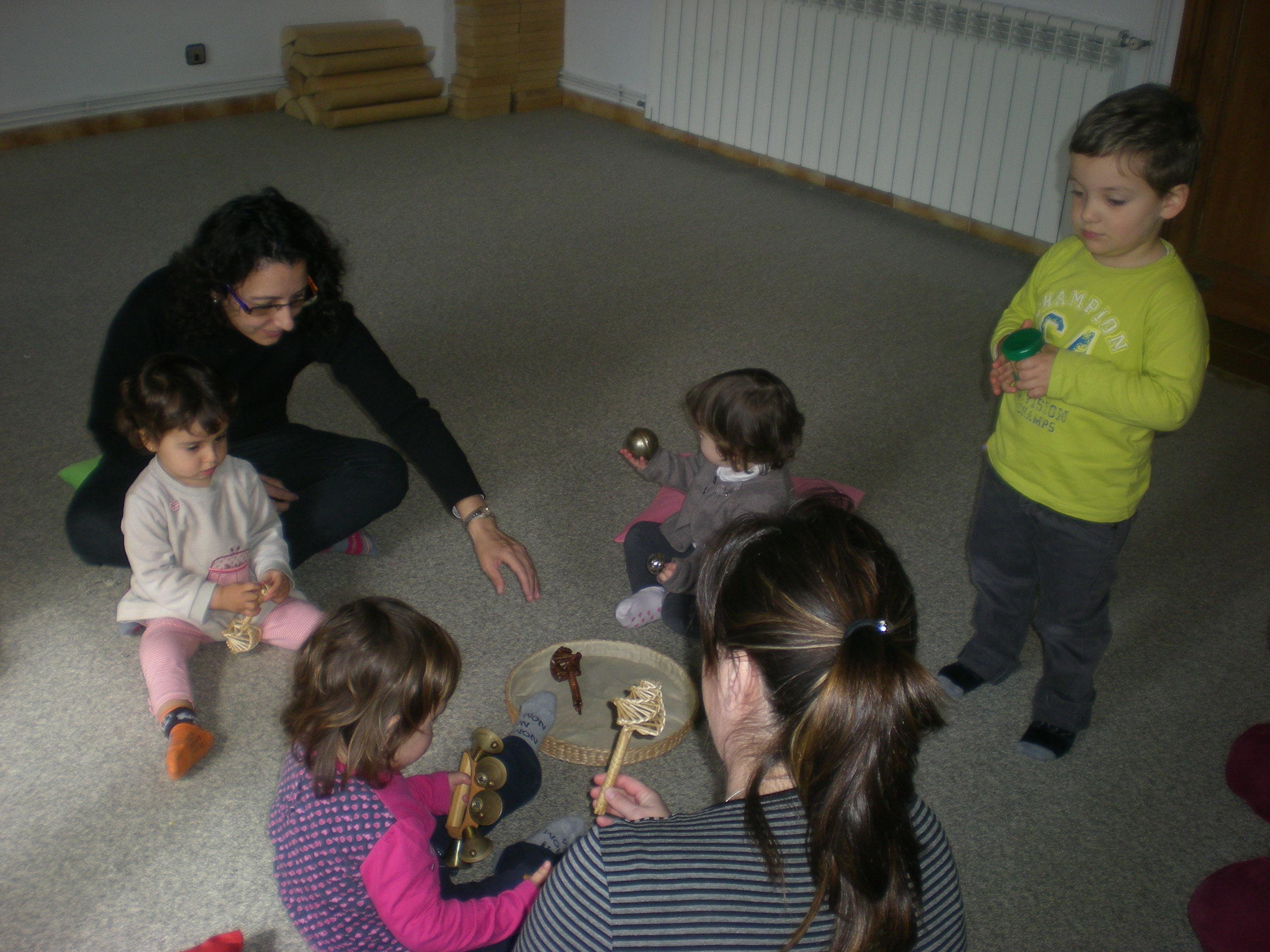 Classe de música nadons de 16 a 36 mesos