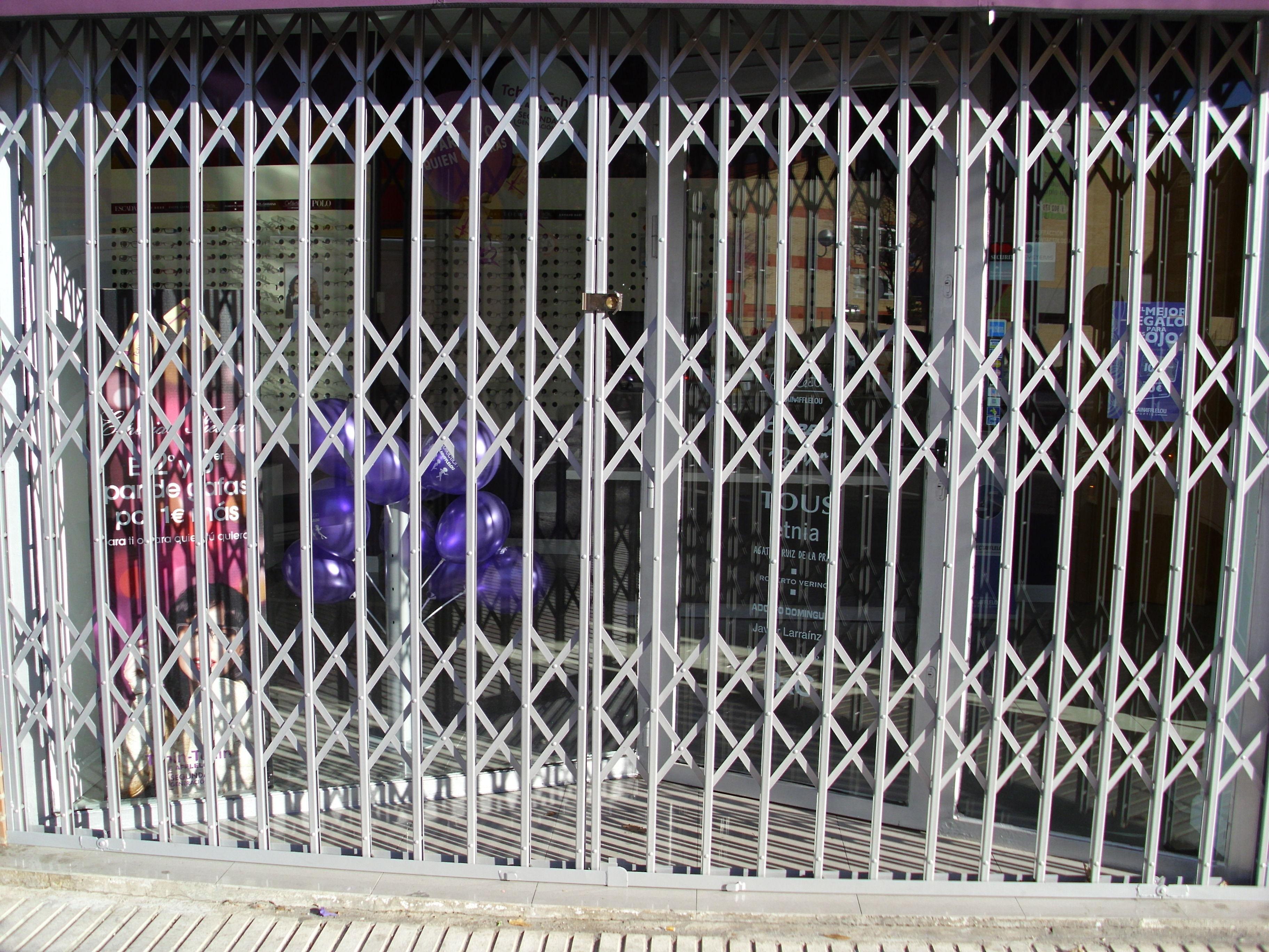 Foto 13 de Cierres y puertas metálicas en Madrid | Talleres Chacón