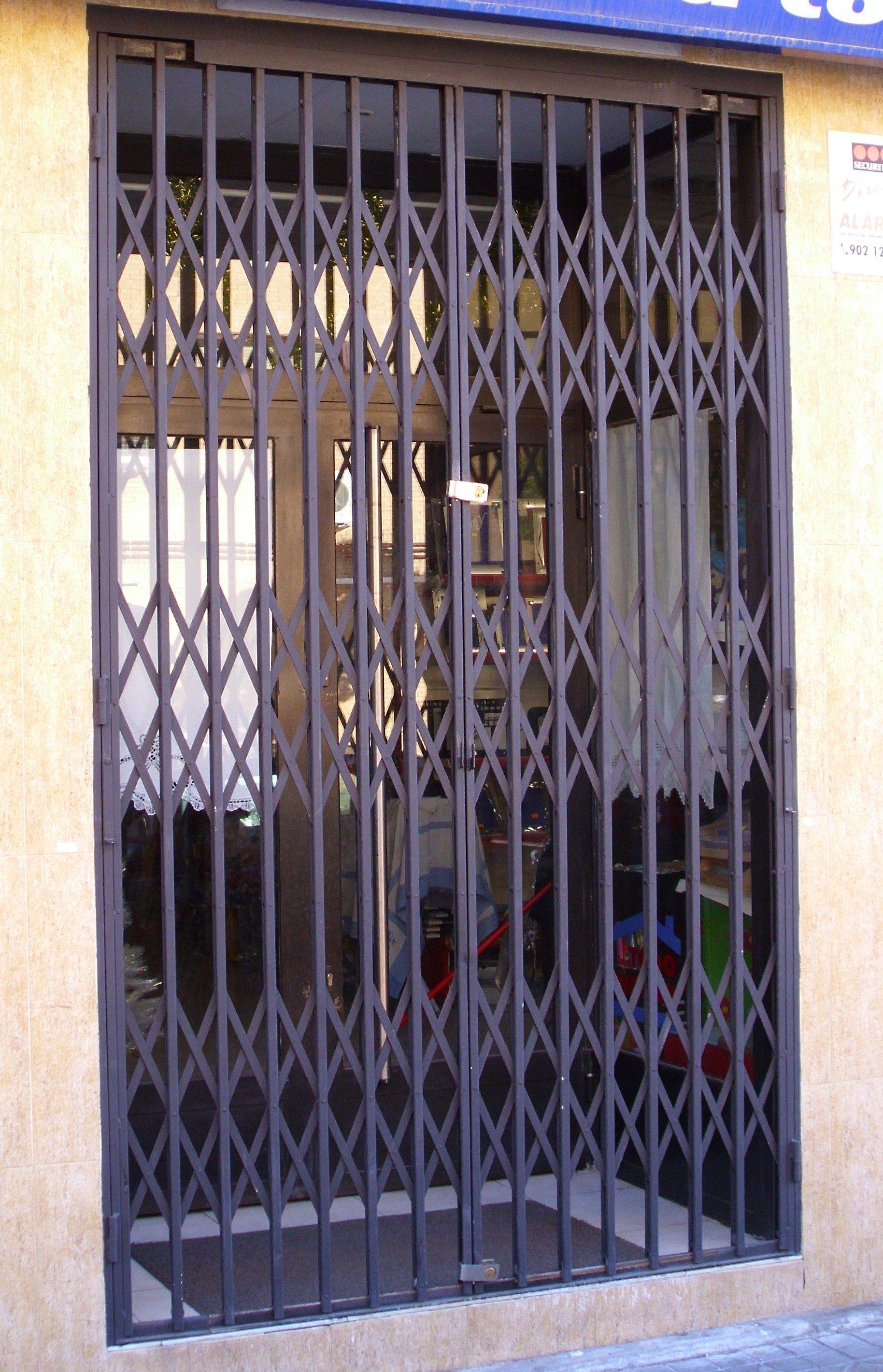 Foto 12 de Cierres y puertas metálicas en Madrid | Talleres Chacón