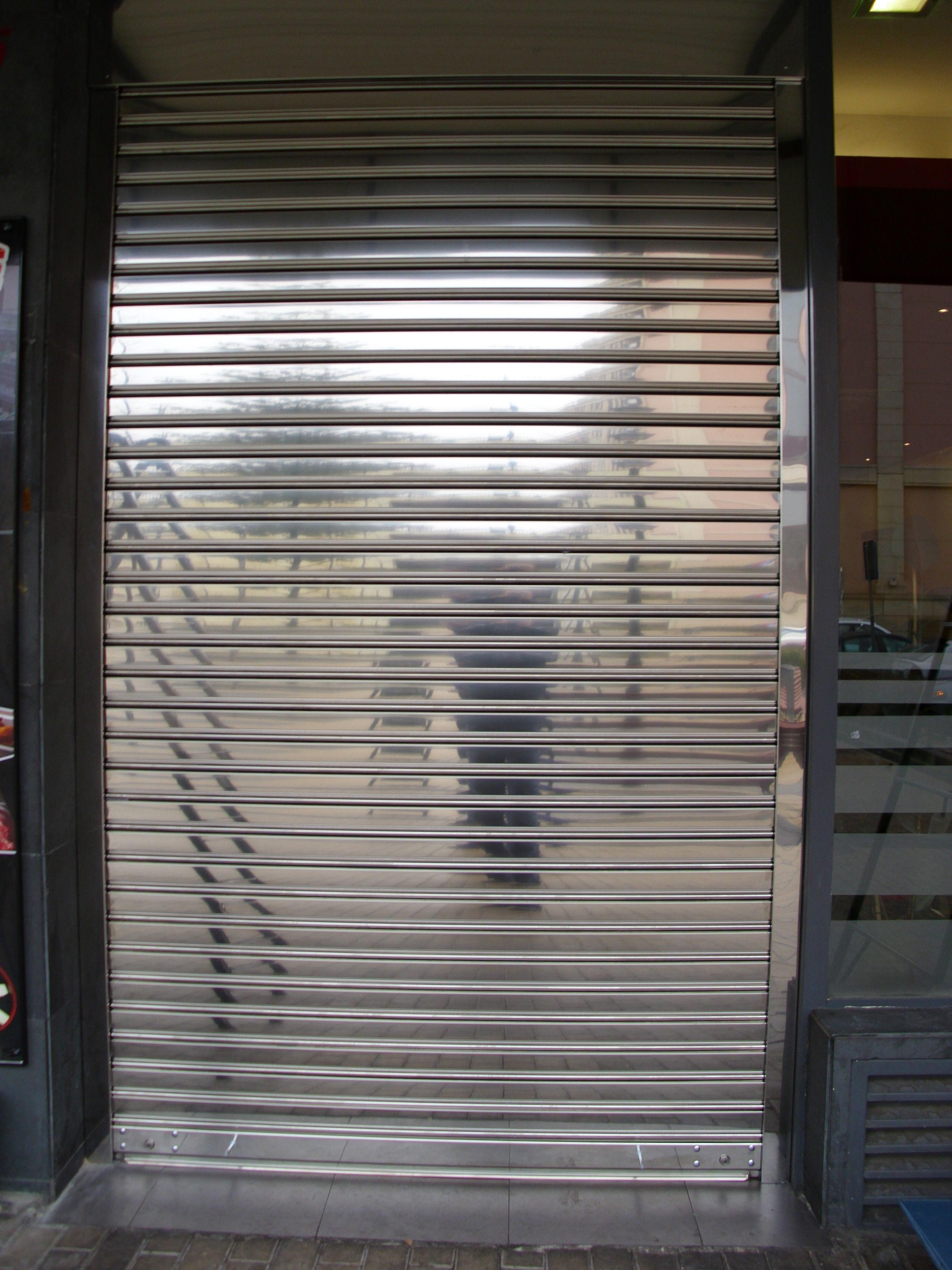 Foto 7 de Cierres y puertas metálicas en Madrid | Talleres Chacón