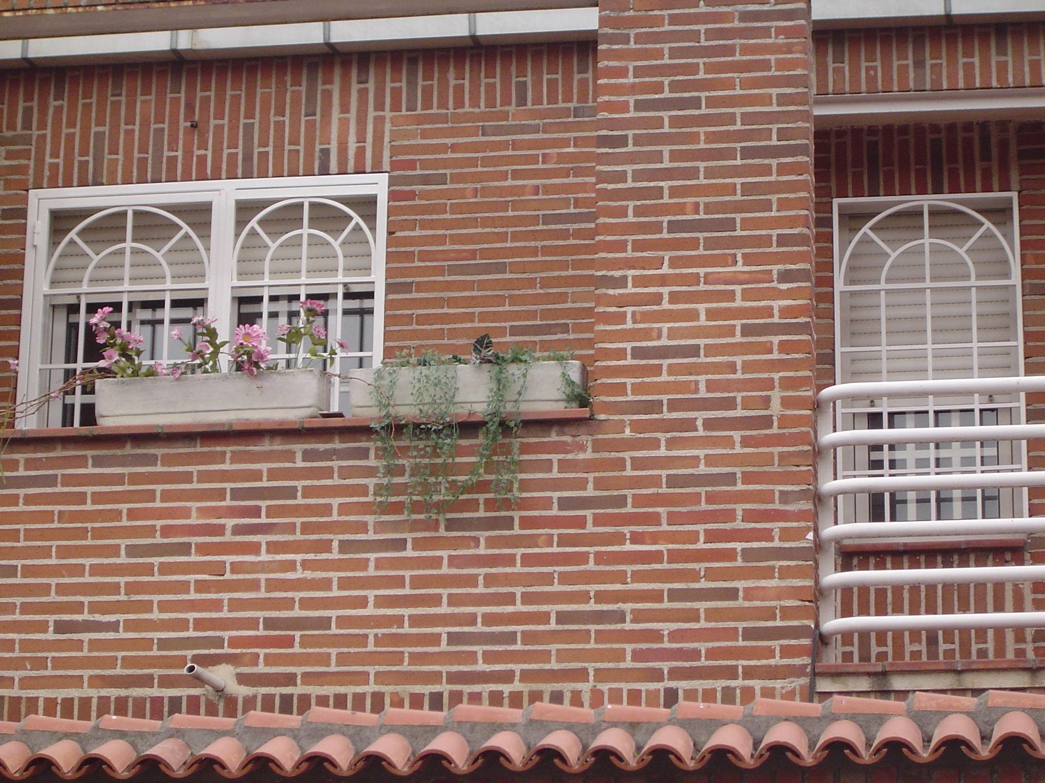 Foto 5 de Cierres y puertas metálicas en Madrid | Talleres Chacón