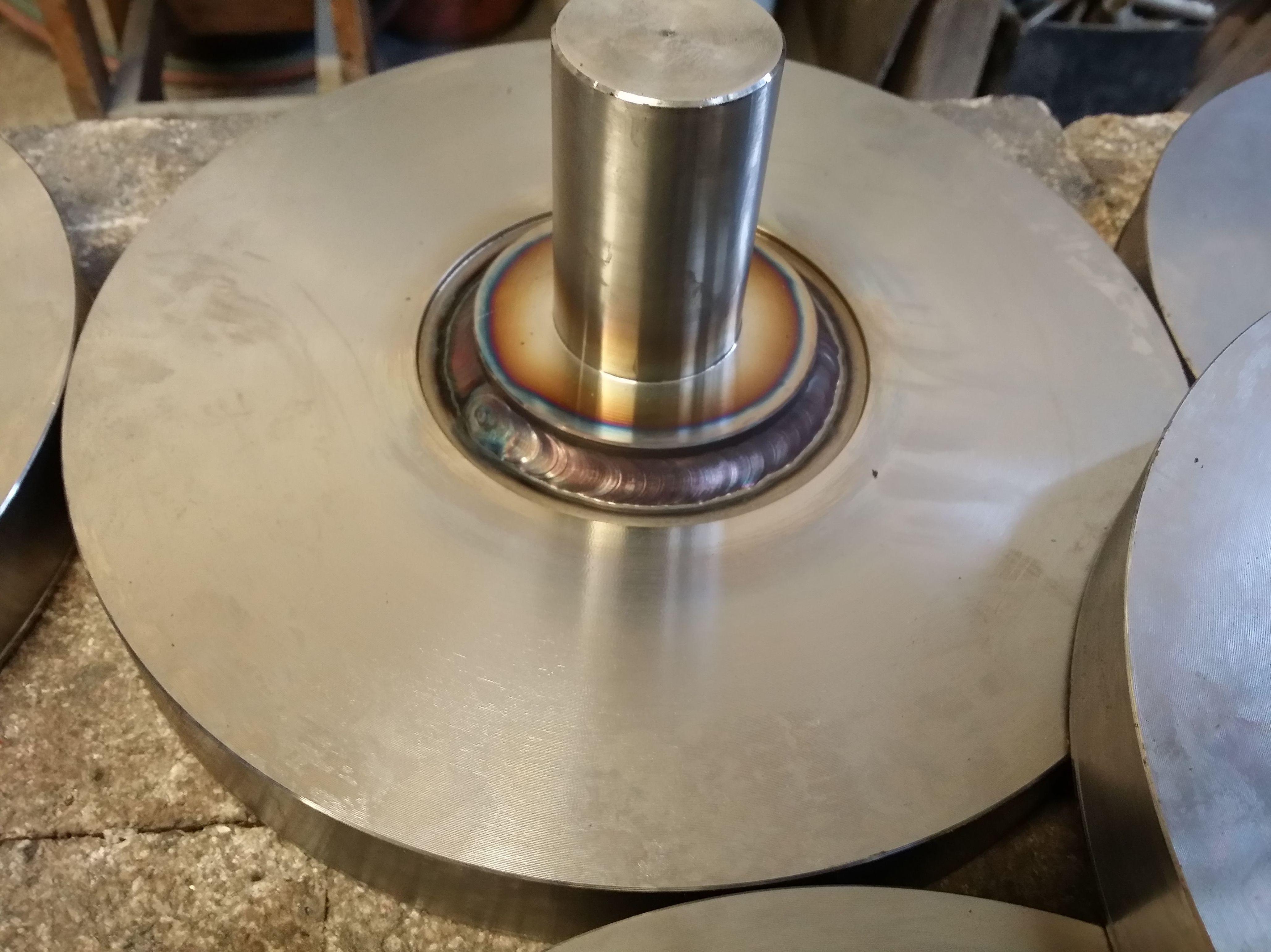Realizamos soldaduras con todo tipo de materiales metálicos