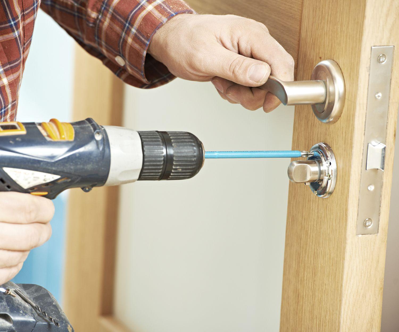 Reparación o sustitución de cerraduras