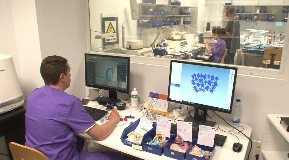 Foto 8 de Protésicos dentales en Valladolid | Provall Prótesis Valladolid
