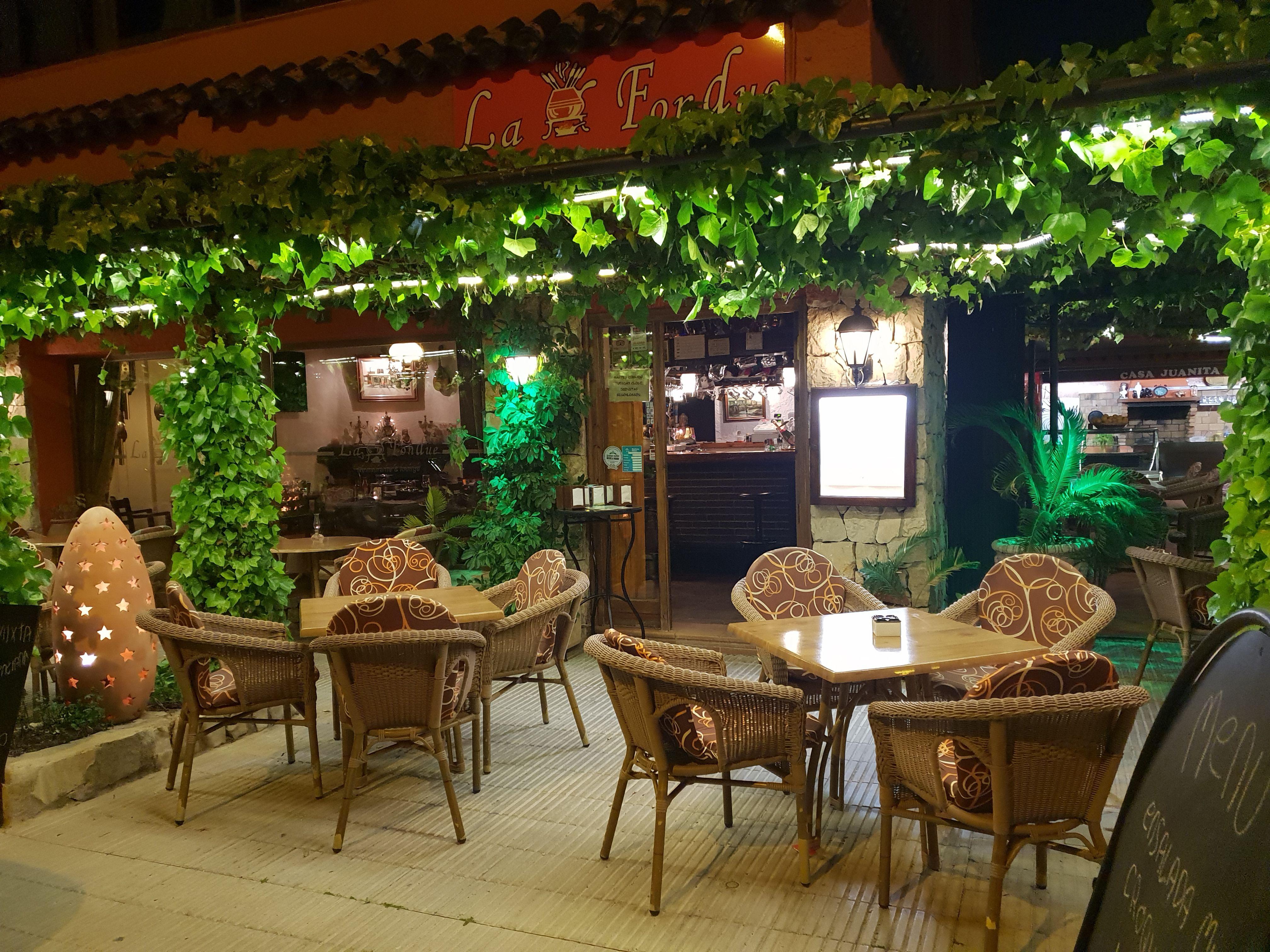 Restaurante con amplia variedad en fondues y crepes